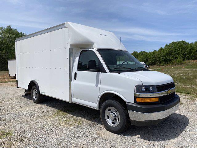 2021 Chevrolet Express 3500 4x2, Rockport Cargoport Cutaway Van #CM60270 - photo 4