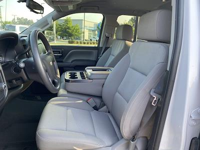 2018 Chevrolet Silverado 1500 Crew Cab 4x2, Pickup #M11375A - photo 3
