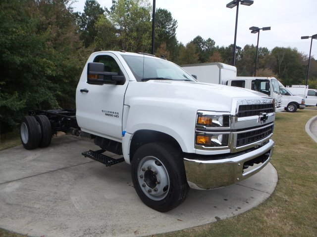 2019 Chevrolet Silverado 5500 Regular Cab DRW RWD, Cab Chassis #KH863704 - photo 10