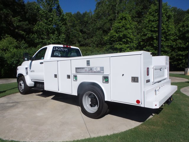 2020 Chevrolet Silverado 5500 Regular Cab DRW RWD, Reading SL Service Body #LH239144 - photo 2