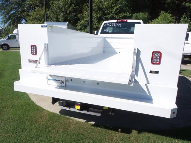 2020 Chevrolet Silverado 5500 Regular Cab DRW RWD, Reading SL Service Body #LH239144 - photo 12