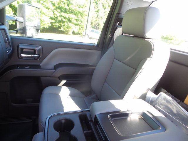 2020 Chevrolet Silverado 5500 Regular Cab DRW RWD, Reading SL Service Body #LH239144 - photo 19