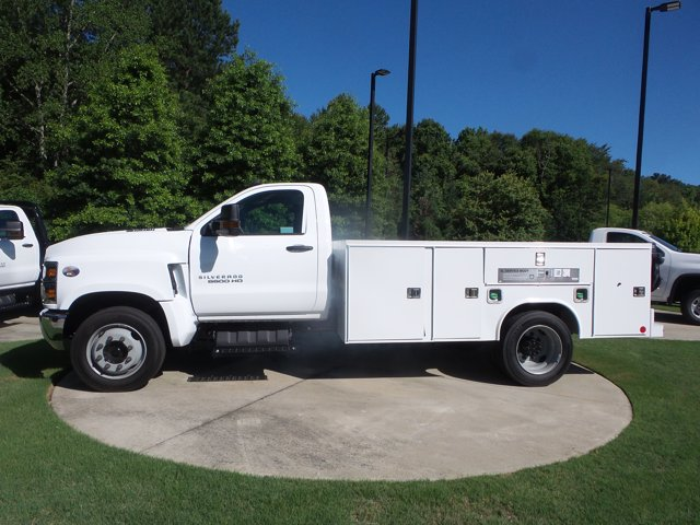 2020 Chevrolet Silverado 5500 Regular Cab DRW RWD, Reading SL Service Body #LH239144 - photo 3