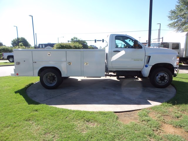 2020 Chevrolet Silverado 5500 Regular Cab DRW RWD, Reading SL Service Body #LH239144 - photo 9