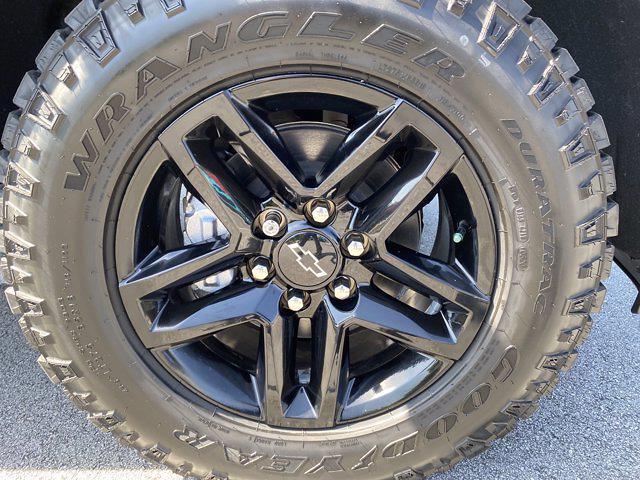 2021 Chevrolet Silverado 1500 Crew Cab 4x4, Pickup #M08710 - photo 13