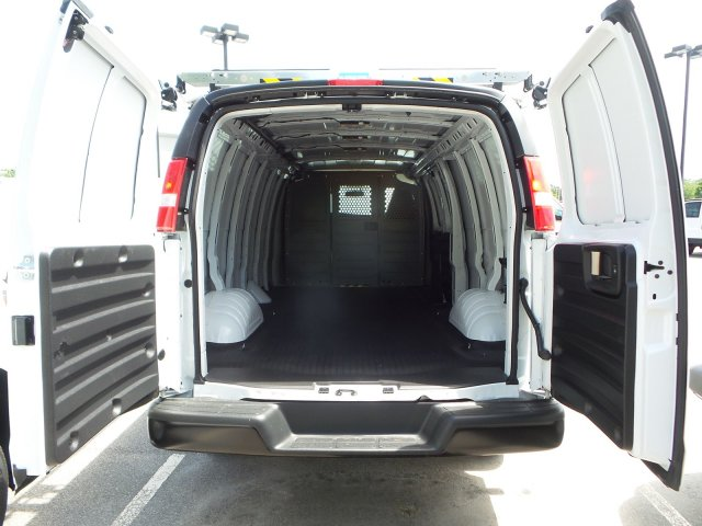 2019 Express 2500 4x2,  Empty Cargo Van #M1234781 - photo 1