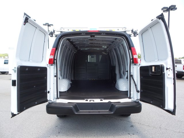 2019 Express 2500 4x2,  Empty Cargo Van #M1263807 - photo 1