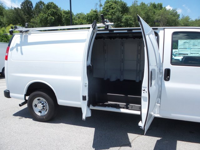 2019 Express 2500 4x2,  Empty Cargo Van #M1264010 - photo 15