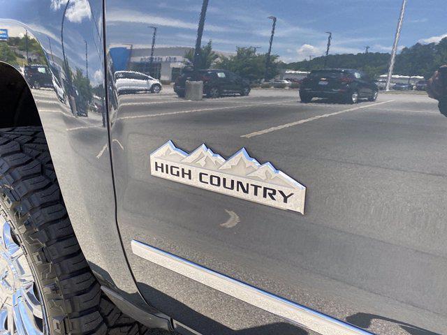 2017 Chevrolet Silverado 1500 Crew Cab 4x4, Pickup #M18311B - photo 15