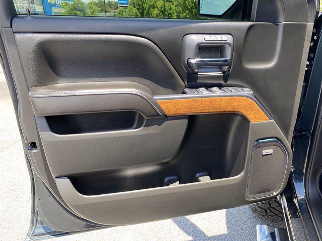 2017 Chevrolet Silverado 1500 Crew Cab 4x4, Pickup #M18311B - photo 19