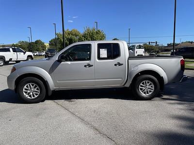 2018 Frontier Crew Cab 4x2,  Pickup #M39761A - photo 3