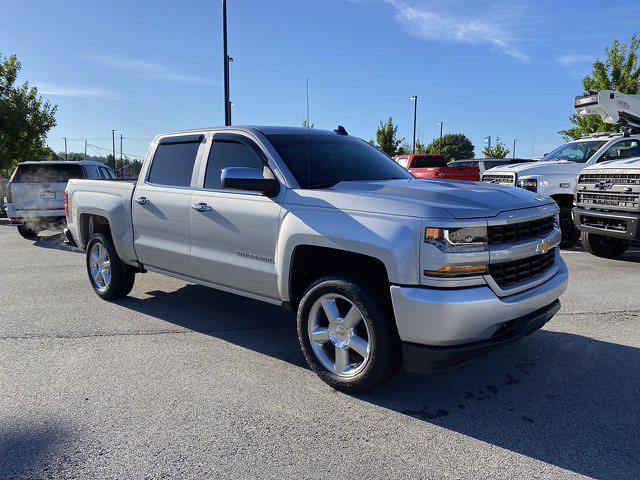2018 Chevrolet Silverado 1500 Crew Cab 4x2, Pickup #M50100B - photo 4