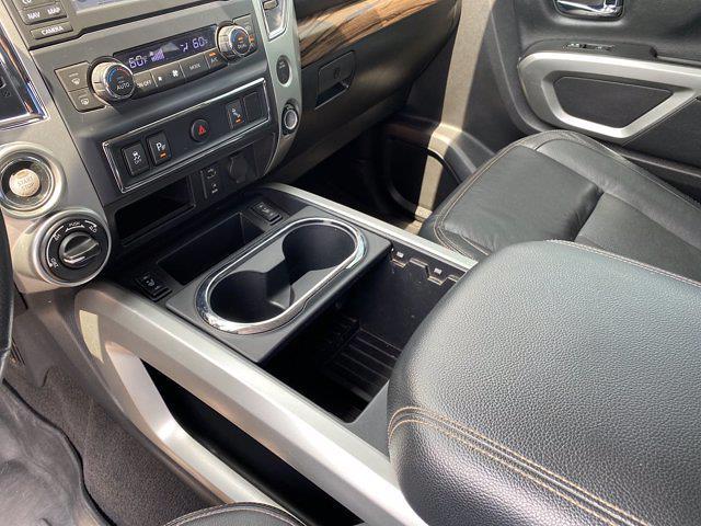 2017 Nissan Titan Crew Cab 4x4, Pickup #M65989A - photo 32