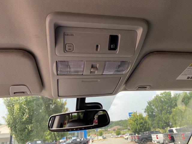 2017 Nissan Titan Crew Cab 4x4, Pickup #M65989A - photo 34