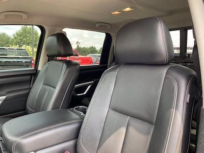 2017 Nissan Titan Crew Cab 4x4, Pickup #M65989A - photo 16