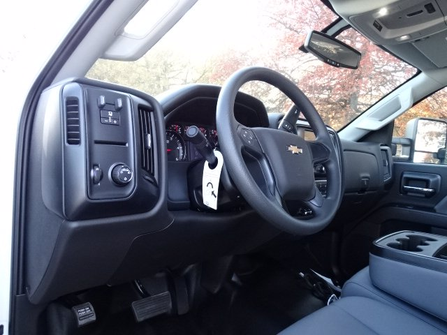 2019 Chevrolet Silverado 6500 Regular Cab DRW 4x2, Cab Chassis #MH675594 - photo 7