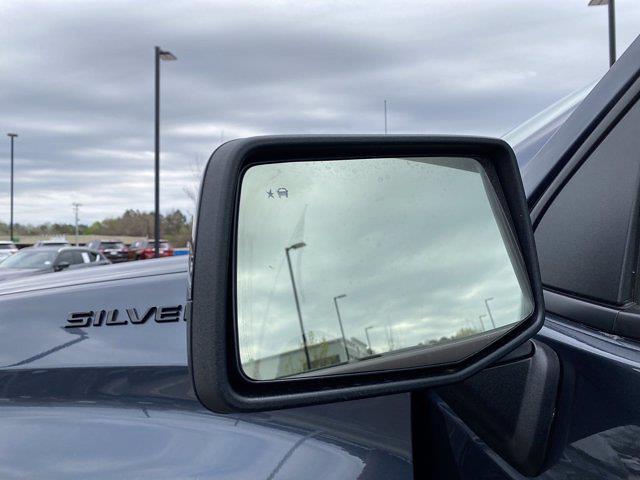 2021 Chevrolet Silverado 1500 Crew Cab 4x4, Pickup #P20784 - photo 11