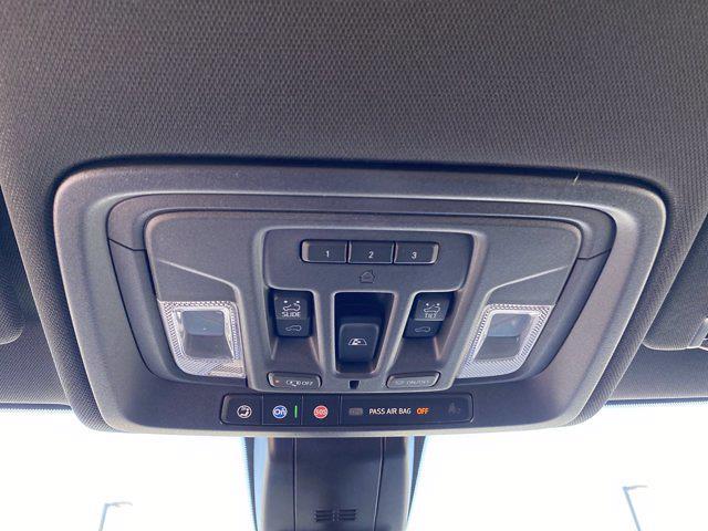 2021 Chevrolet Silverado 2500 Crew Cab 4x4, Pickup #P20837 - photo 35