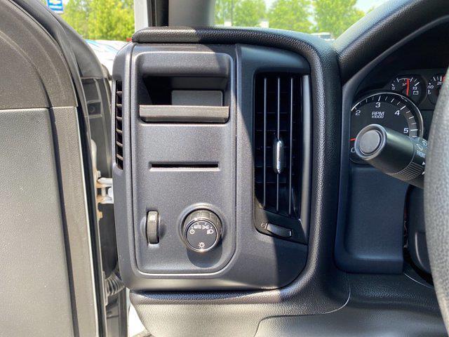 2015 Chevrolet Silverado 2500 Crew Cab 4x4, Pickup #P20852 - photo 21