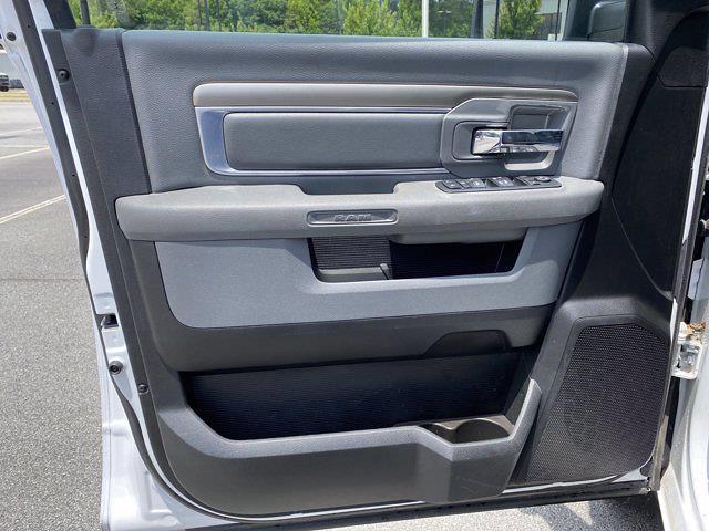 2019 Ram 1500 Crew Cab 4x4, Pickup #XR20961 - photo 16