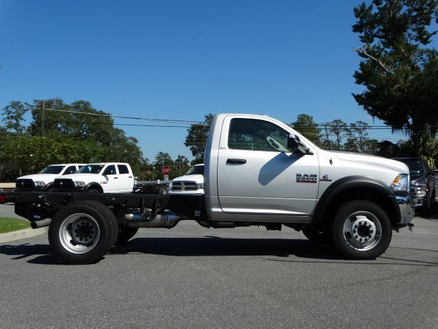 2017 Ram 5500 Regular Cab DRW Cab Chassis #170259 - photo 3