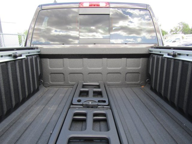 2017 Ram 1500 Crew Cab 4x4, Pickup #170698 - photo 11