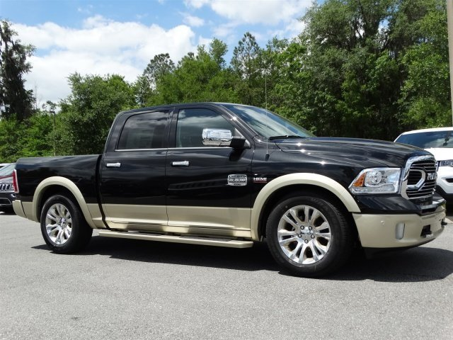 2017 Ram 1500 Crew Cab 4x4, Pickup #170855 - photo 3