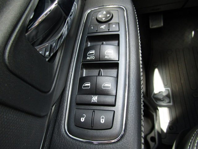 2017 Ram 1500 Crew Cab 4x4, Pickup #170972 - photo 20