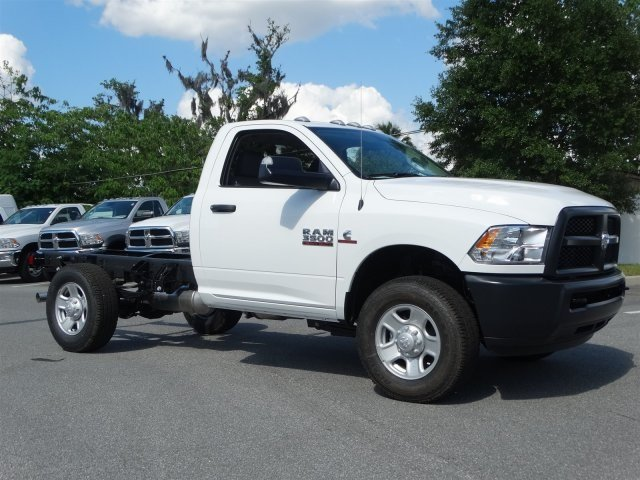 2017 Ram 3500 Regular Cab 4x4 Cab Chassis #171015 - photo 3