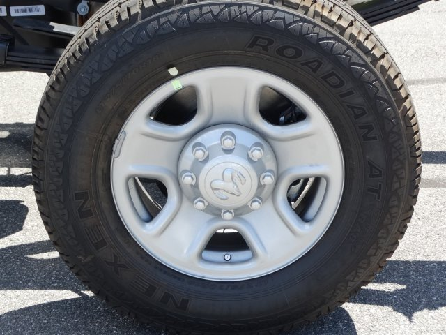 2017 Ram 3500 Crew Cab 4x4, Cab Chassis #171034 - photo 11