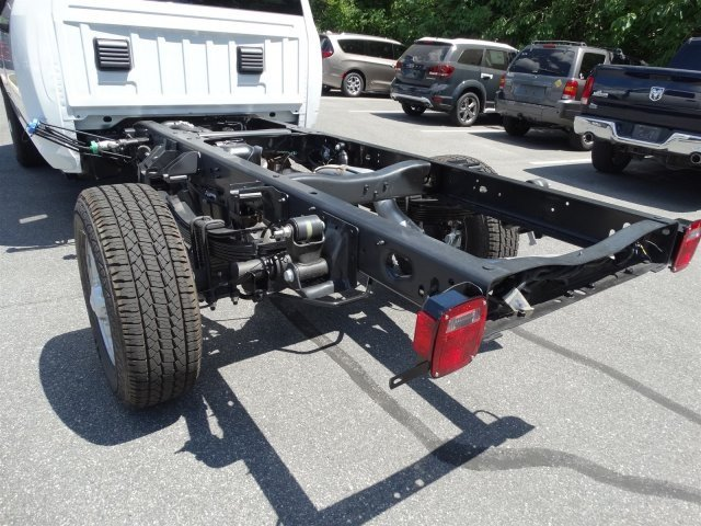 2017 Ram 3500 Crew Cab 4x4, Cab Chassis #171034 - photo 12