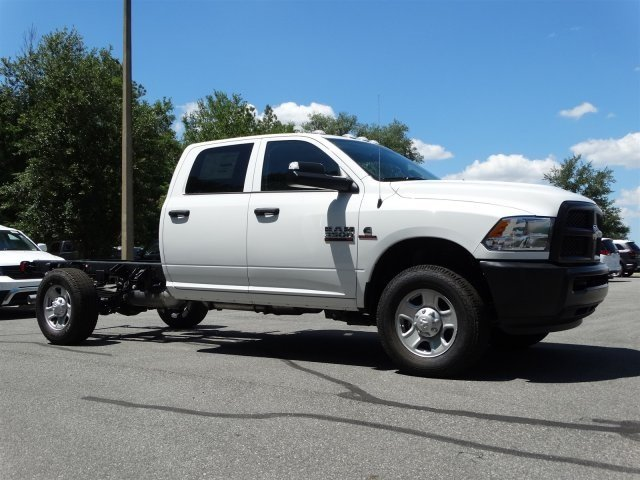 2017 Ram 3500 Crew Cab 4x4, Cab Chassis #171034 - photo 3