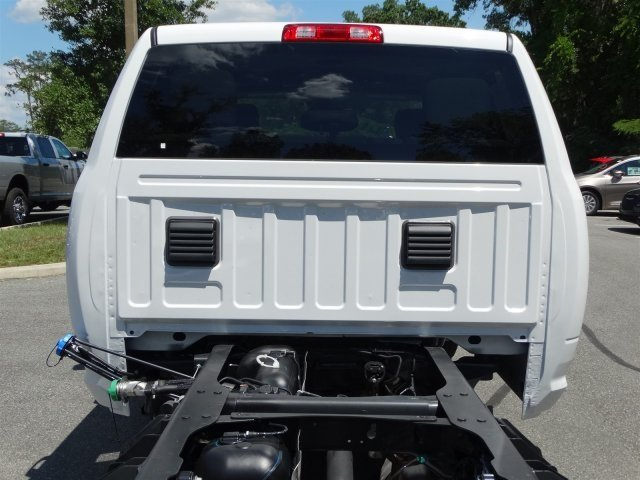 2017 Ram 3500 Crew Cab 4x4, Cab Chassis #171034 - photo 5
