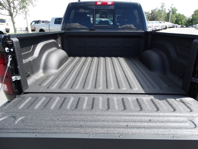 2017 Ram 1500 Crew Cab, Pickup #171043 - photo 10
