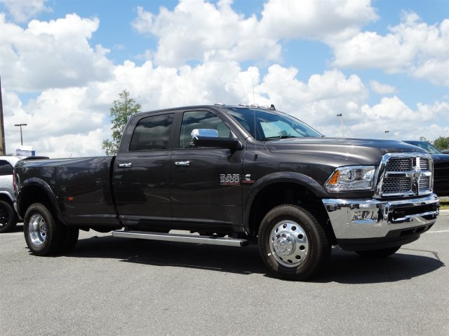 2017 Ram 3500 Crew Cab DRW 4x4, Pickup #171066 - photo 3