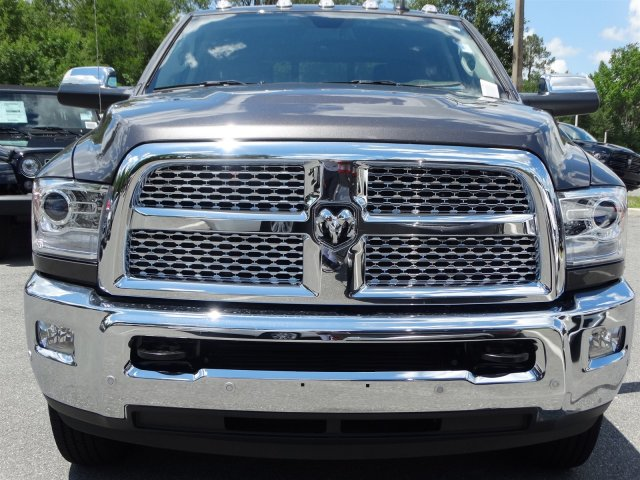 2017 Ram 3500 Crew Cab DRW 4x4, Pickup #171066 - photo 8