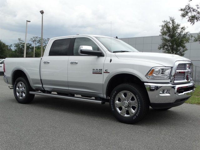 2017 Ram 2500 Crew Cab 4x4, Pickup #171084 - photo 3