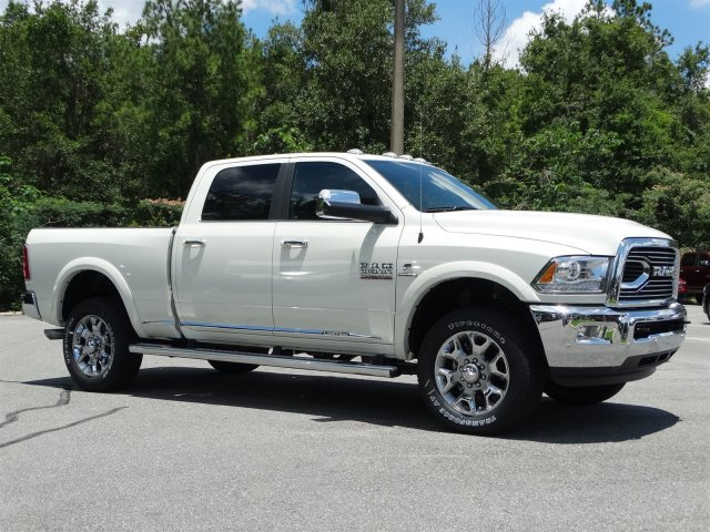 2017 Ram 3500 Crew Cab 4x4 Pickup #171195 - photo 3