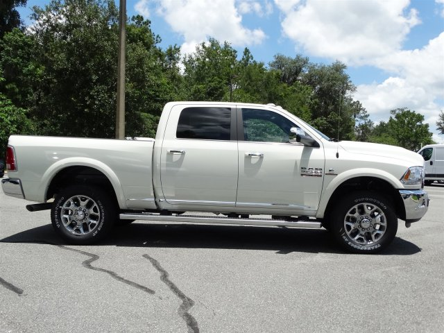 2017 Ram 3500 Crew Cab 4x4 Pickup #171195 - photo 4