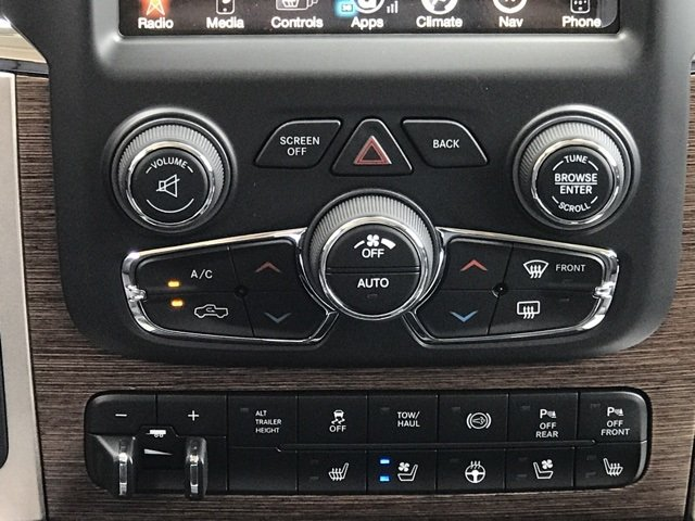 2017 Ram 3500 Crew Cab 4x4 Pickup #171400 - photo 19