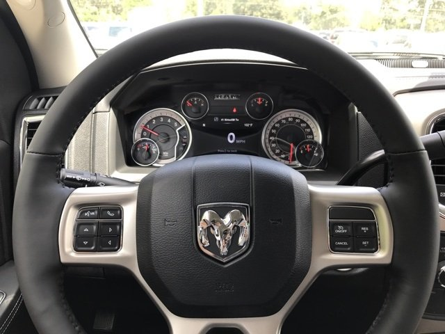 2017 Ram 3500 Crew Cab 4x4 Pickup #171400 - photo 25