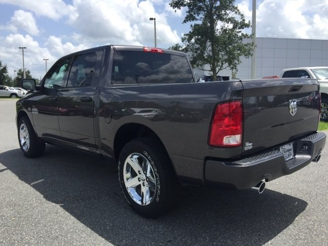 2017 Ram 1500 Crew Cab Pickup #171403 - photo 4