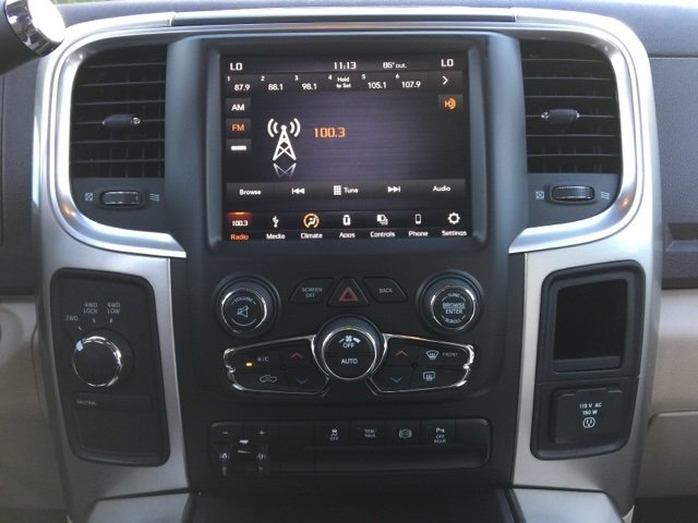 2018 Ram 2500 Crew Cab 4x4 Pickup #180101 - photo 18