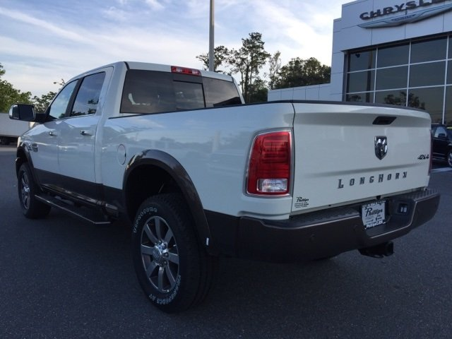 2018 Ram 2500 Crew Cab 4x4 Pickup #180152 - photo 4
