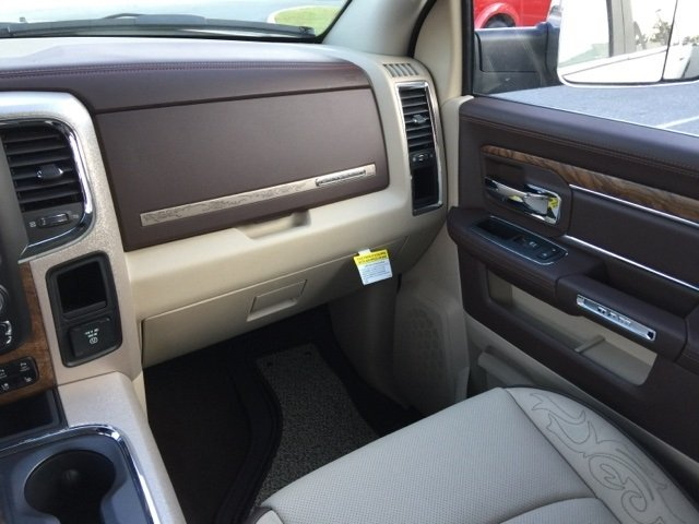 2018 Ram 2500 Crew Cab 4x4 Pickup #180152 - photo 18