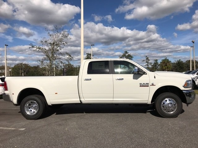 2018 Ram 3500 Crew Cab DRW 4x4 Pickup #180174 - photo 9