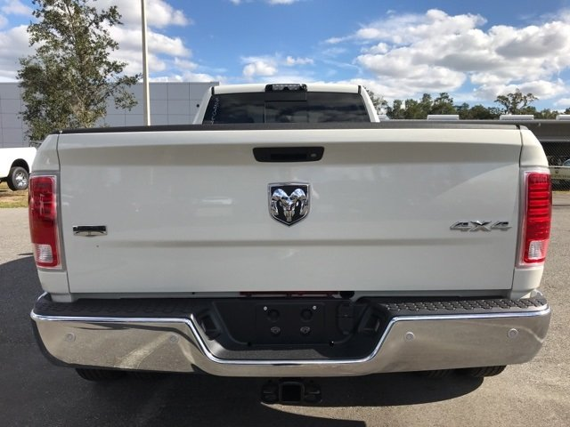 2018 Ram 3500 Crew Cab DRW 4x4 Pickup #180174 - photo 10