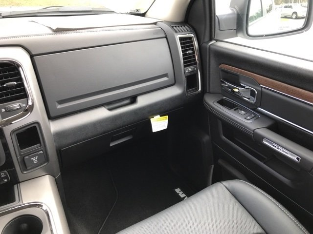 2018 Ram 2500 Crew Cab 4x4 Pickup #180178 - photo 17