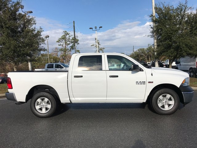 2018 Ram 1500 Crew Cab 4x4, Pickup #180339 - photo 5