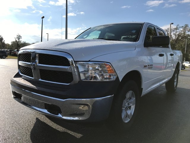 2018 Ram 1500 Crew Cab 4x4, Pickup #180339 - photo 3